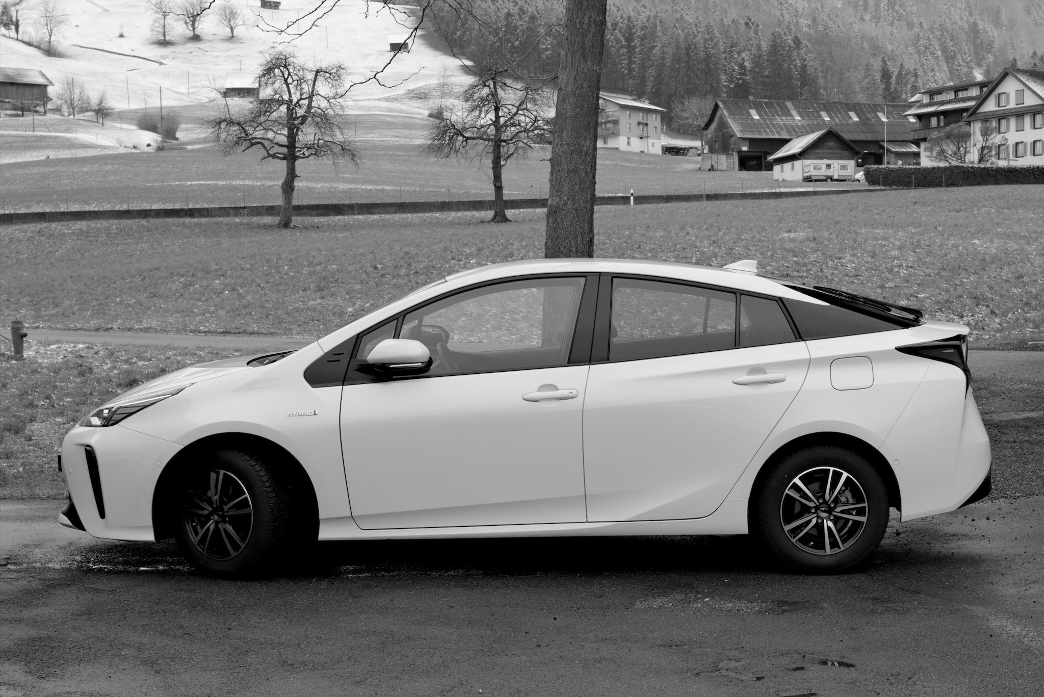 Toyota Prius AWD